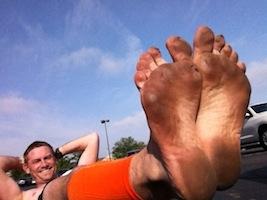 barefoot runner at Indy mini-marathon